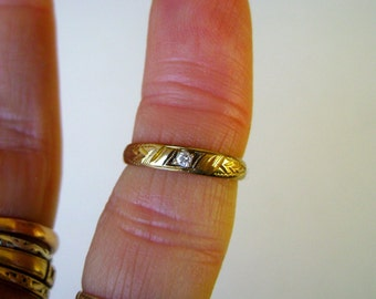 10k yellow gold charm or pinky ring