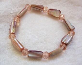 Pink Bracelet, Pink Mother of Pearl Bracelet, Pink Crystal Bracelet, Mother of Pearl Nuggets, Champagne Pink Bracelet, Elastic Bracelet