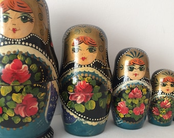 Vintage Russian nesting doll (matryoshka doll) -  6 pieces