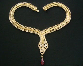 Glamorous Vintage Jewelry Gold Tone With Sparkling Pave Diamante Crystals Snake Head Collar Necklace & Dangle Teardrop Ruby Red Glass Accent