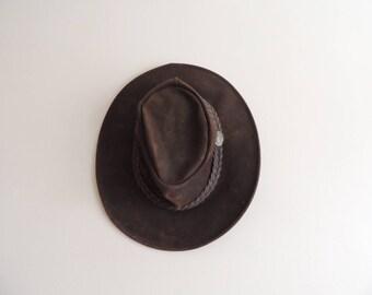 FREE SHIPPING - Vintage Aussie Bush Dark Brown leather hat, size M, Made in Australia