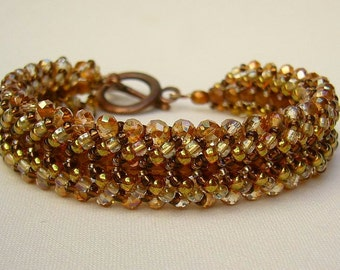 Bracelet with sparkling beads in shades of copper