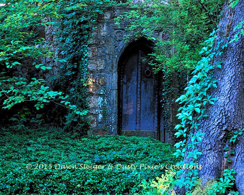 Pixelated Cottage Door (10x8)