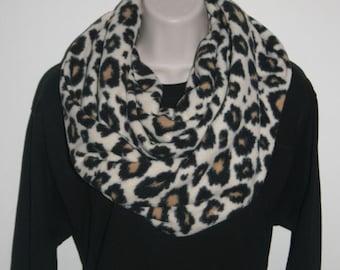 FREE SHIPPING!! Fleece Infinity Scarf, Cozy Scarf, Fleece Scarf, Winter Scarf, Fleece, Scarfs, Cheetah  Design
