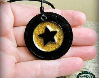 Opalescent GOLD STAR Circle Bullseye Style Resin and Acrylic OOAK Necklace