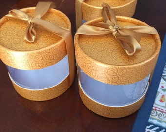 Favor boxes, gold boxes, gift boxes, baptism favor boxes, first communion favor boxes, wedding favor boxes, favor boxes