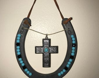 Horse shoe decor, country girl gift, country home, home decor, beaded horse shoe, beaded art, gifts for her, country living, turquoise