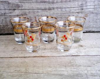 Vintage 60's Shot Glasses, Set of five Shot Glasses, Clear Glass with Gold Decoration, Retro shot glasses, Vintage Barware, Retro Drinkware