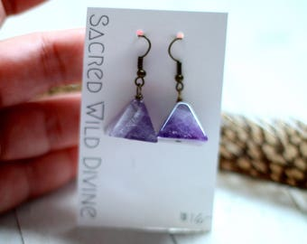 pyramid earrings. amethyst crystal earrings amethyst pyramid