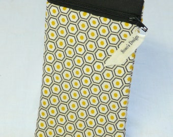 Case of laptop or honeycomb yellow and black badge holder