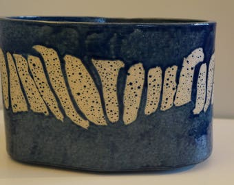 Blue dotted planter