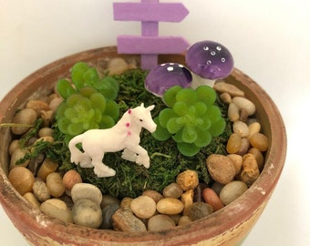 "3 Miniature Unicorns for Terrarium/Fairy Garden, assorted size approx. 1"""