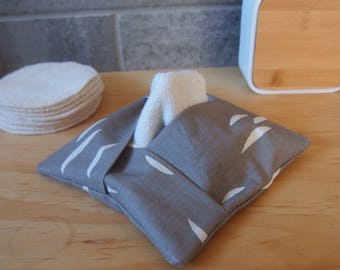 Organic*** pad dispenser, clutch for cleansing wipes in organic cotton, storage for washable remover discs, storage only.