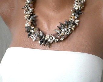 Handmade sea shell necklace with leather