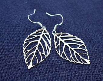 Leaf earrings, silver leaf earrings, dainty silver leaf earrings, thin leaf earrings, dangle earrings, leaf charms, dangle leaf earrings