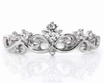 14k Gold Crown Ring. Queen ring.Princess ring. Gold Crown Ring. Tiara ring. Crown ring.Bridal ring. Engagement ring