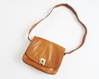 70s purse - vintage 1970s leather shoulder bag - small vintage purse - brown leather brass womens purse - Robinsons of California
