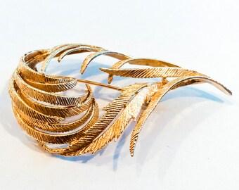 Leafy Vintage Gold Brooch