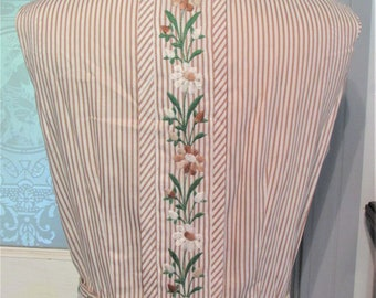 Vintage 1950's dress embroidered with flowers