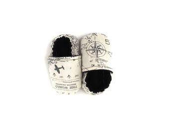 NAVIGATOR Baby Moccasin, soft sole baby shoe, vegan baby clothes, map shoe, vegan baby shoe, vegan moccasin, tula navigator, world map baby