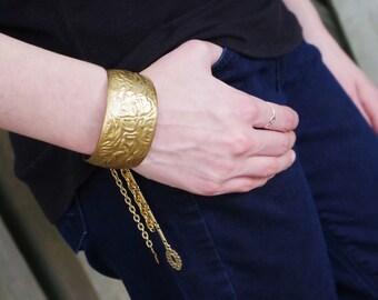 Gypsy Vintage Charm Cuff Bracelet 1980s Brass   - festival style, boho chic, vintage , charm bracelet, gypset, boho bracelet