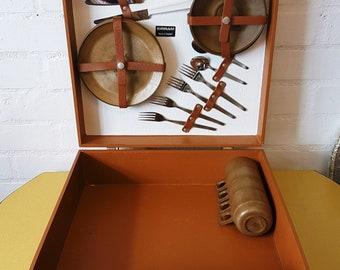 Vintage Sirram picnic case 1960s' picnic set