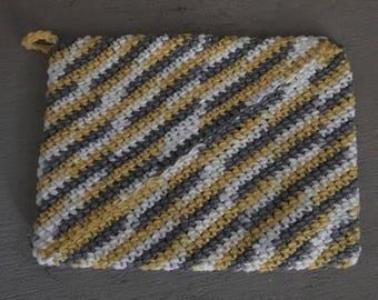 Heavy Duty Crochet Potholder/100% Cotton/hot pad/Gifts/housewarming/wedding/bridal shower/kitchen accessories/housewares