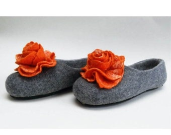 Summer Sale Handmade wool felted slippers with rubber soles- house shoes-roses-orange-orange flowers roses
