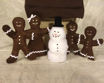 """Gingerbread House with bendable 4"""" dolls"""