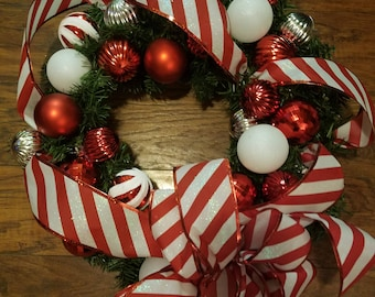 18 In Red and White Christmas Wreath