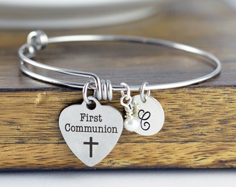 First Communion Bracelet, Communion Gift, Girls First Communion Gift, Religious Jewelry, Personalized Communion Charm Bracelet, Engraved
