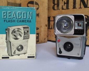 Vintage BEACON WHITEHOUSE camera