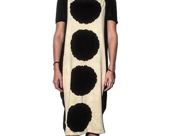 Halblanges Kleid Schleier an den Seiten