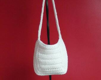 Acrylic yarn in cream-white bag