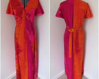 Vintage 70s Hawaiian Maxi Dress with Flutter Sleeves - Size M Bust 36 - Originals by Guadalupe (B4)