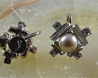 Vintage Coro Screw Back Faux Pearl and White Rhinestone Baguette Earrings: Deco Starshine