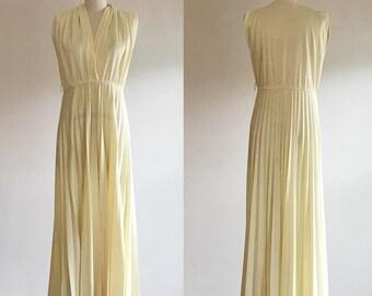 Yellow dress- Yellow maxi dress- Maxi dress- Maternity dress- V neck dress- Cotton dress- Summer dress- Beach dress- Pleated dress- Medium