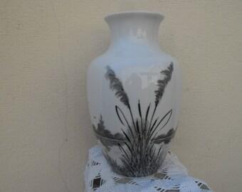 Vase en porcelaine de Limoges signé Méliet vintage  26,5 cm