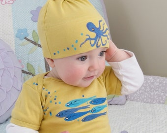 Octopus Baby Bodysuit and Hat Set Hand Painted Yellow and Fish made from Organic Cotton, Cute Baby Clothes, Gender Neutral Organic Baby