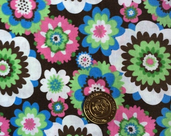 Nursing cover with Pockets Springs Flowers on Dark brown