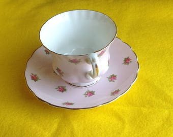 Hamilton Fine Bone China Pink and Rose Teacup and Saucer - China cup and saucer Made in England - Pink China with Pink Roses and Gold Trim