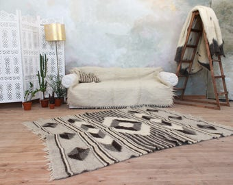 Wool area rug, Black and white rug, Geometric pattern rug, Modern home decor, Carpet rug, Large area rug, Living room rug, Gloor rug