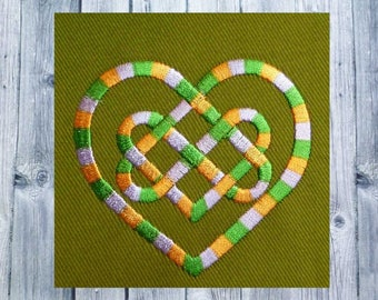 Embroidery design, Celtic knots, Celtic art, Celtic gifts, heart embroidered, 10x10 frame