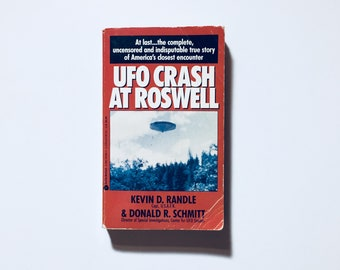 UFO CRASH At ROSWELL / *Rare* Edition Avon // By Kevin D. Randle / Vintage paperback Ufology, Aliens, Extraterrestrial Proof