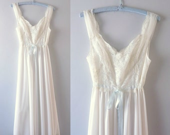 Vintage 60s Gown S | 1960s Vanity Fair Tricot Nylon White Gown Nightgown