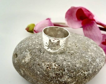 Sterling Silver Cat Band - Gift for Cat Lover - Silhouette of a Kitty Ring - Handcrafted Artisan Ring