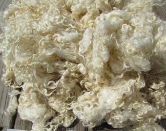 Cotswold Wool Locks natural ivory wool 2 oz