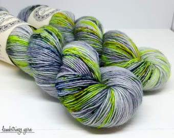 Sadie Soft Single Ply, Hand dyed yarn, Superwash merino wool, 400 yds/ 100g: Gravity.