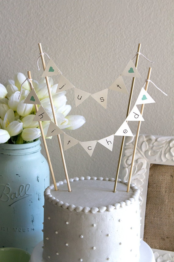 Just Hitched Burlap Alternative Bunting Banner Wedding Cake