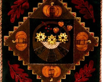 Wool Applique Table Mat or Wall Hanging Pattern - Autumn Wool Applique with Pumpkins and Flowers - LAS 519